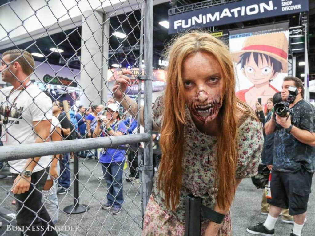 san-diego-comic-con-walking-dead-booth-0357-1
